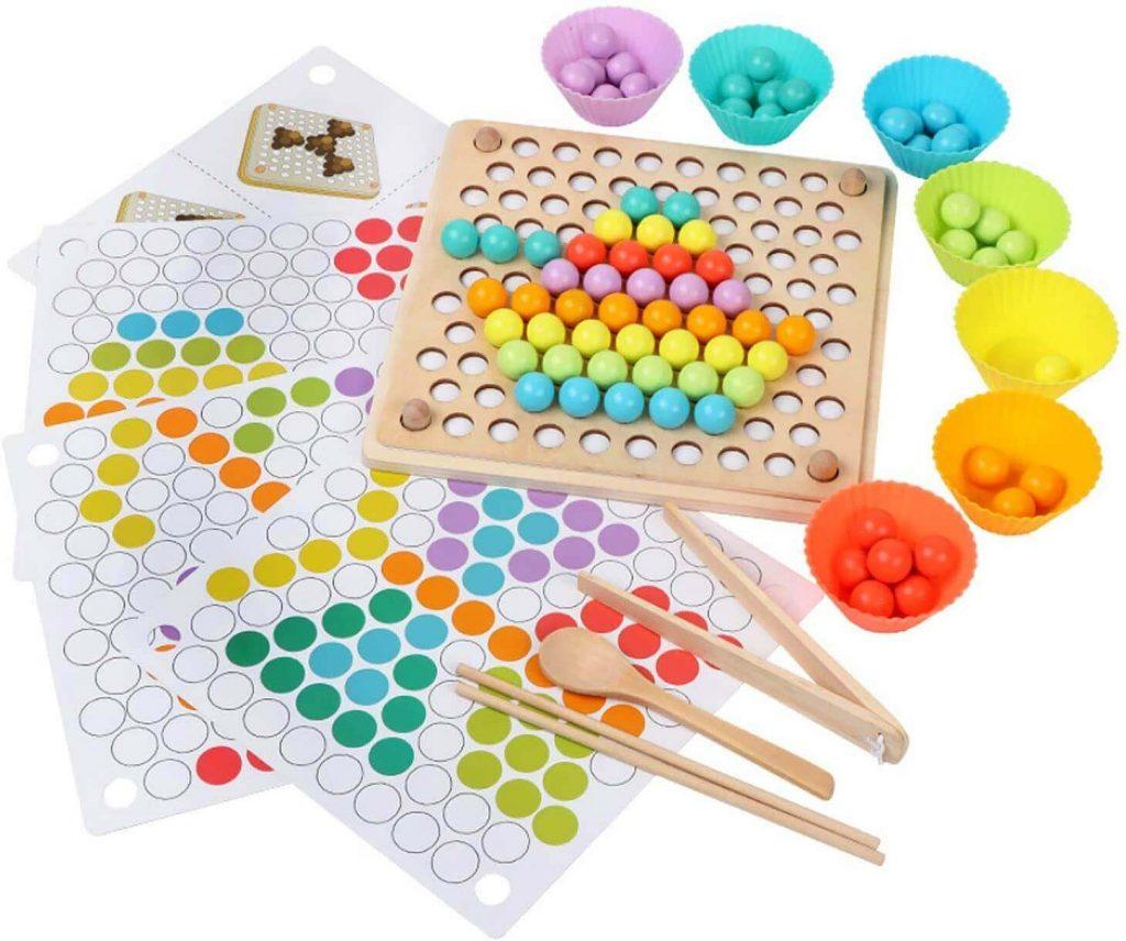 Palillos y cuentas Montessori